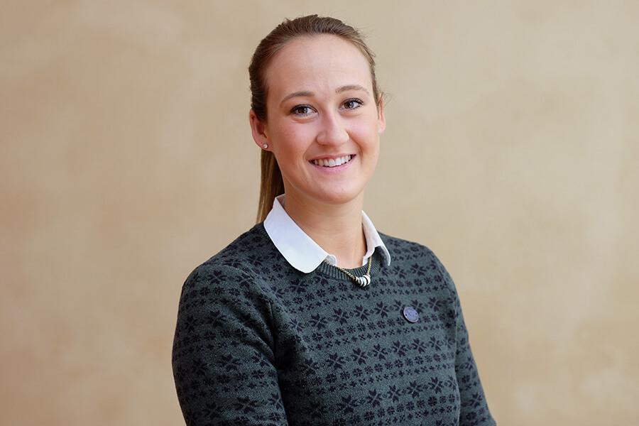 Henriette Walter, Vorstandsassistenz bei der MWG