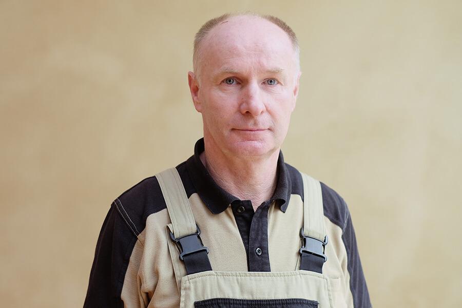 Peter Metzner, Reparatur- und Hausmeisterservice bei der MWG