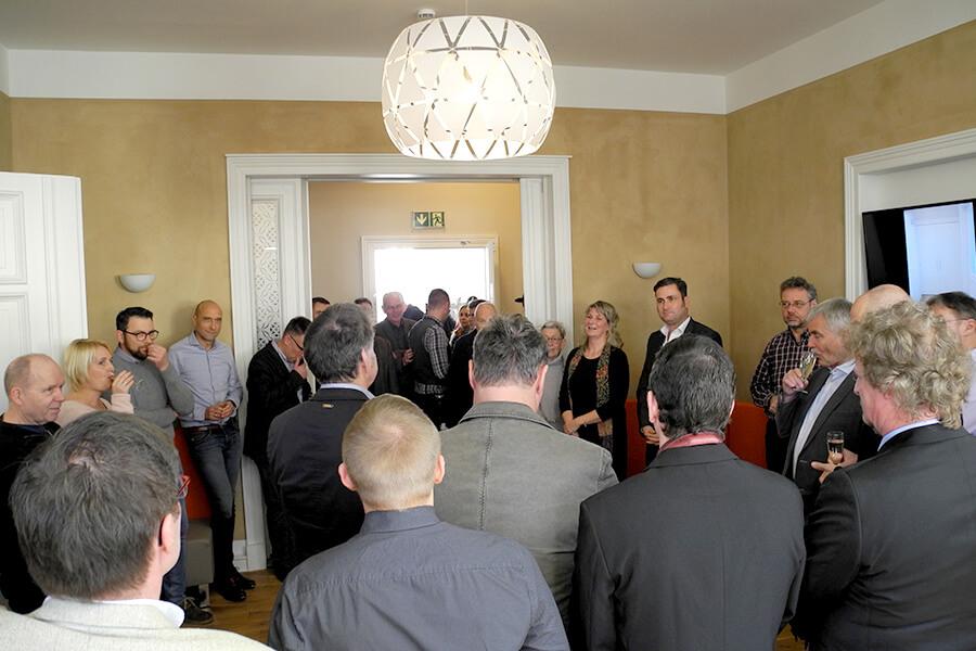 Feierliche Einweihung des neuen Geschäftssitz in der Augustastraße 3